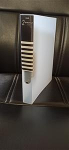 Bìa 2 còng A4S 26mm trắng trong Plus