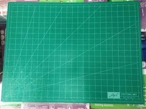 Thảm lót cắt giấy A2